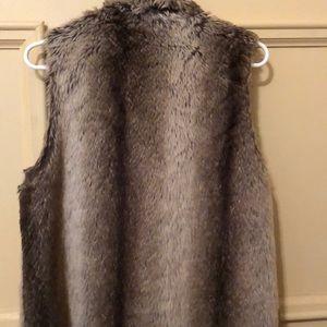 Forever 21 Jackets & Coats - Faux fur vest
